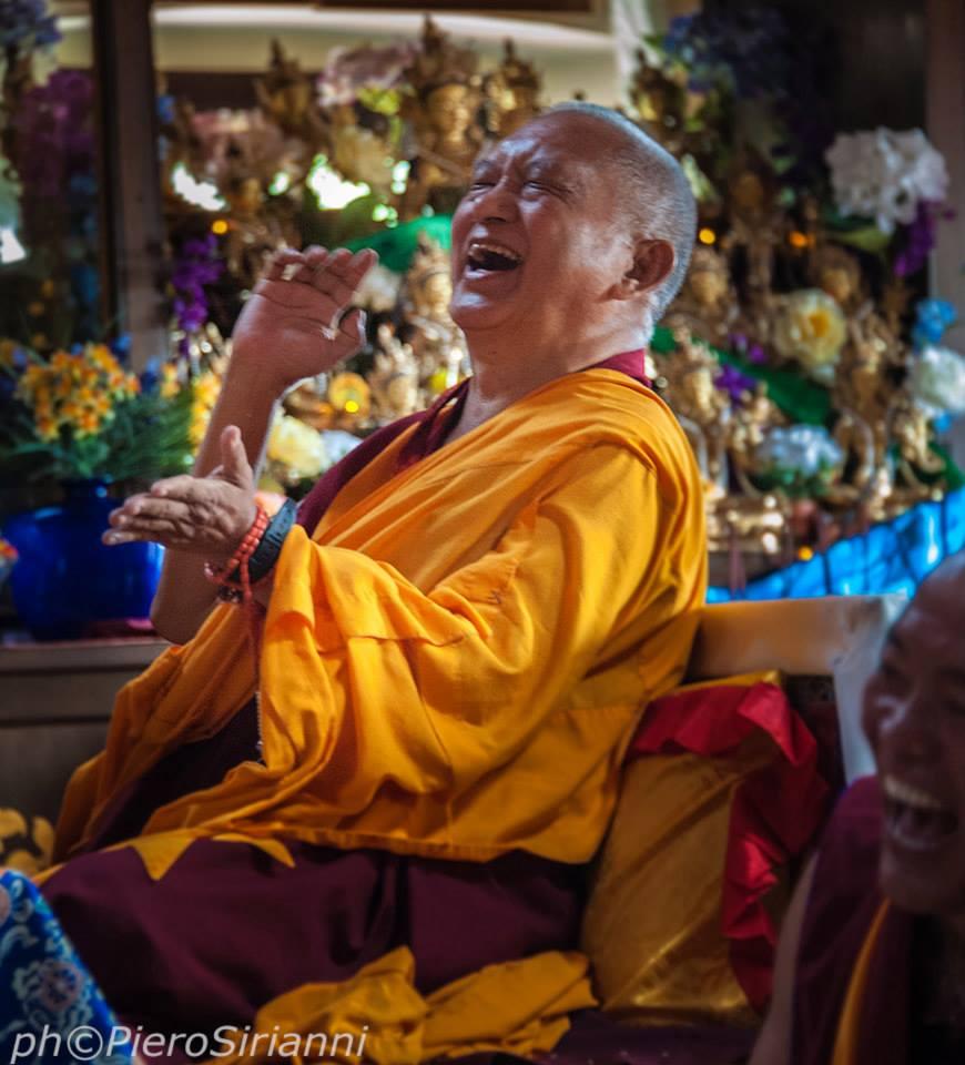 Lama Zopa Rinpoce: La natura della mente è chiara luce priva di forma e la mente ha la capacità di percepire gli oggetti.