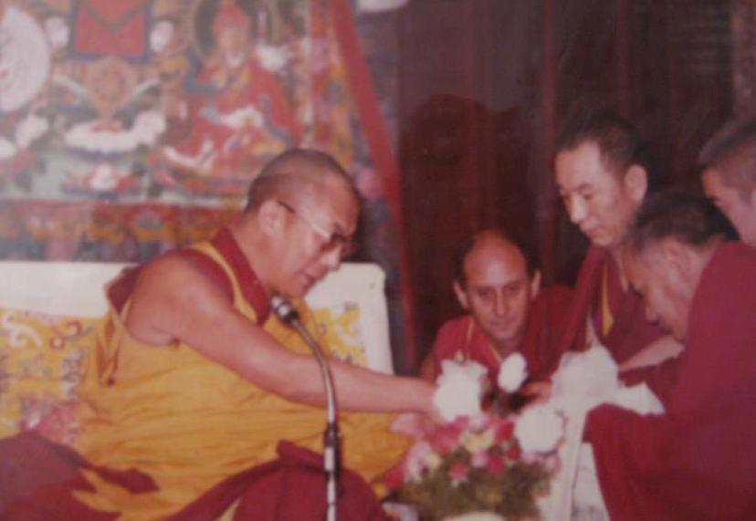 Sua Santità il Dalai Lama e Lama Yesce nel 1982 al Tushita Meditation Centre di Dharamsala