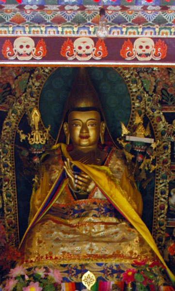 Lama Tzong Khapa: In tutte le mie vite future, anche a costo della vita o di parti del corpo, Possa io non fermarmi, né essere incostante neppure per un momento,