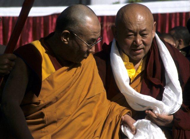 Sua Santità il Dalai Lama con Sua Santità Drikung Kyabgon Chetsang Rinpoche