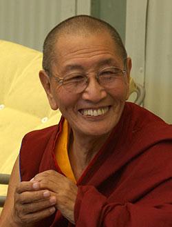 Il Ven. Kirti Tsenshab Rinpoche