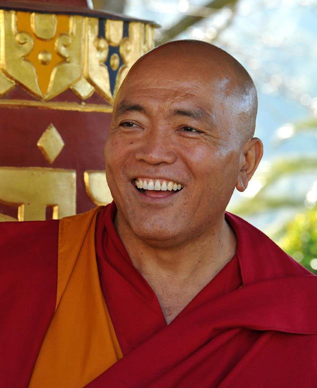 Ghesce Tenzin Tenphel: Evitiamo di dare la colpa agli altri. Ma gli altri hanno un ruolo molto marginale nel causare i nostri eventi interni, ma non posso consegnare le chiavi del mio malessere o felicita agli altri.