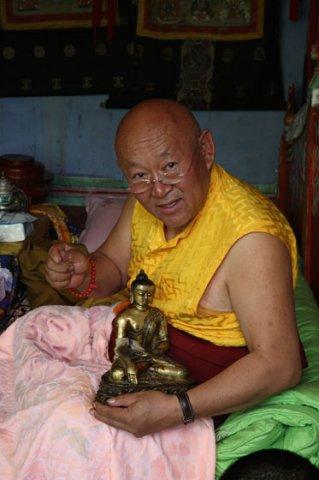 Sua Santità Drikung Kyabgon Chetsang Rinpoche: Tutto ciò che abbiamo è un concetto e, quando cerchiamo di afferrare che cosa sia realmente, questo concetto non ci porta molto lontano. Eppure abbiamo la sensazione di sapere cosa sia.