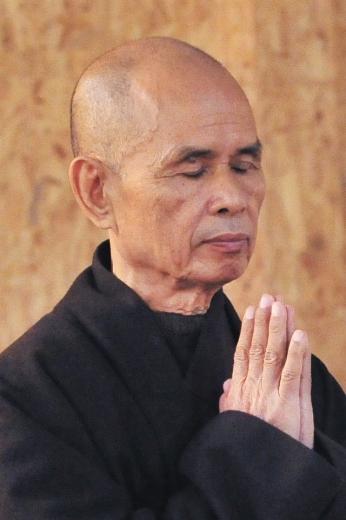 Thich Nhat Hanh: Apro il mio cuore e trasmetto la mia energia d'amore e di comprensione a tutti coloro che mi hanno fatto soffrire e su quella delle persone a cui voglio bene.