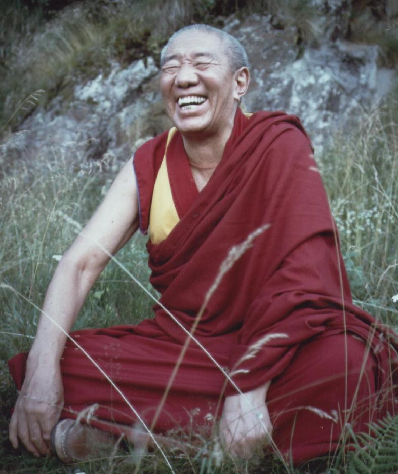 Il Ven. Gheshe Sonam Chanciub dopo aver meditato nella Pineta di Primolo in Valtellina SO.