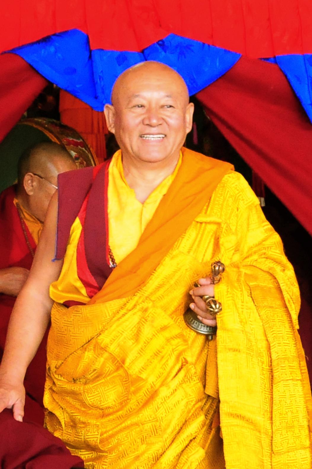 Sua Santità Drikung Kyabgon Chetsang Rinpoche: Saggezza e compassione vengono sviluppate separatamente e si uniscono nella pratica per ottenere la buddità che si realizza solo attraverso la loro unione.