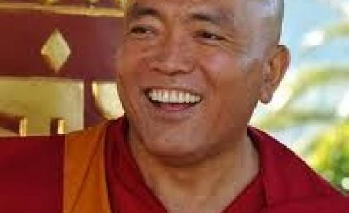 Ven. Gheshe Tenzin Tenphel: Se non teniamo presente queste due cose: la sicurezza che moriremo e l'imprevedibilità del momento della morte, la nostra vita ci scappa e con questo ci scappa anche l'essenza della vita.