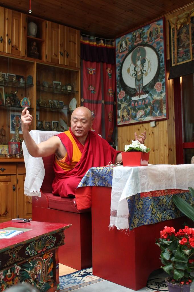 Il Ven. Ghesce Tenzin Tenphel al Centro Studi Tibetani Sangye Cioeling di Sondrio