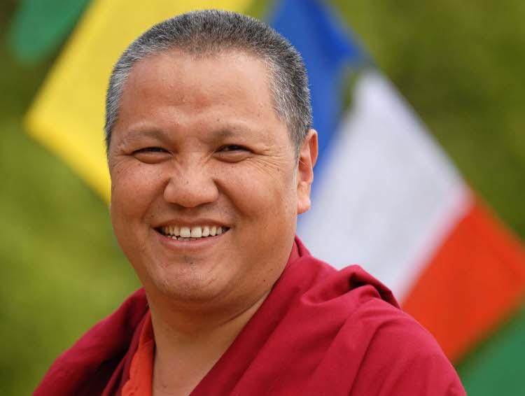 Ven.Sangye Nyenpa Rinpoce: La potenzialità della realizzazione è nell'insegnamento stesso. Perché non ci sono risultati? Perché non si pratica in modo serio.