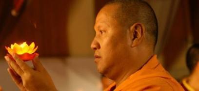 Ven.Sangye Nyenpa Rinpoce: Equalizzare significa che tutti gli esseri sonno interconnessi, che tutti desiderano la felicità.