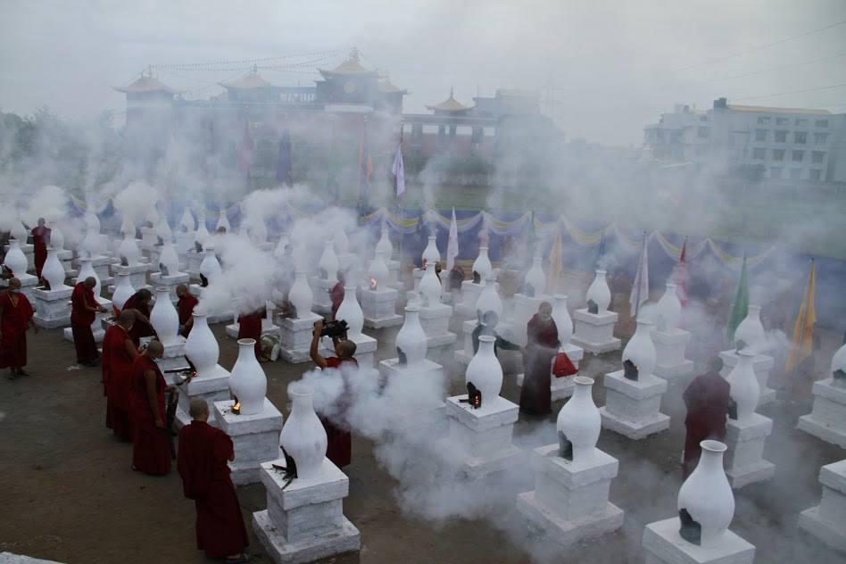 Patrul Rinpoche: Riguardo alle azioni, l'intenzione è di gran lunga il fattore determinante per giudicare se esse possano ritenersi positive o negative, lievi o fatali.