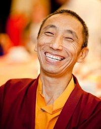 Lama Geshe Gedun Tharchin: Da questi interrogativi risulta evidente come la nostra visione del mondo sia assolutamente illusoria.
