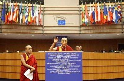 """Dalai Lama: """"La promozione dei valori interiori rappresenta il mio impegno primario""""."""