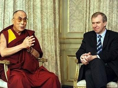 Il premier belga Yves Leterme ha ricevuto ieri in udienza il Dalai Lama