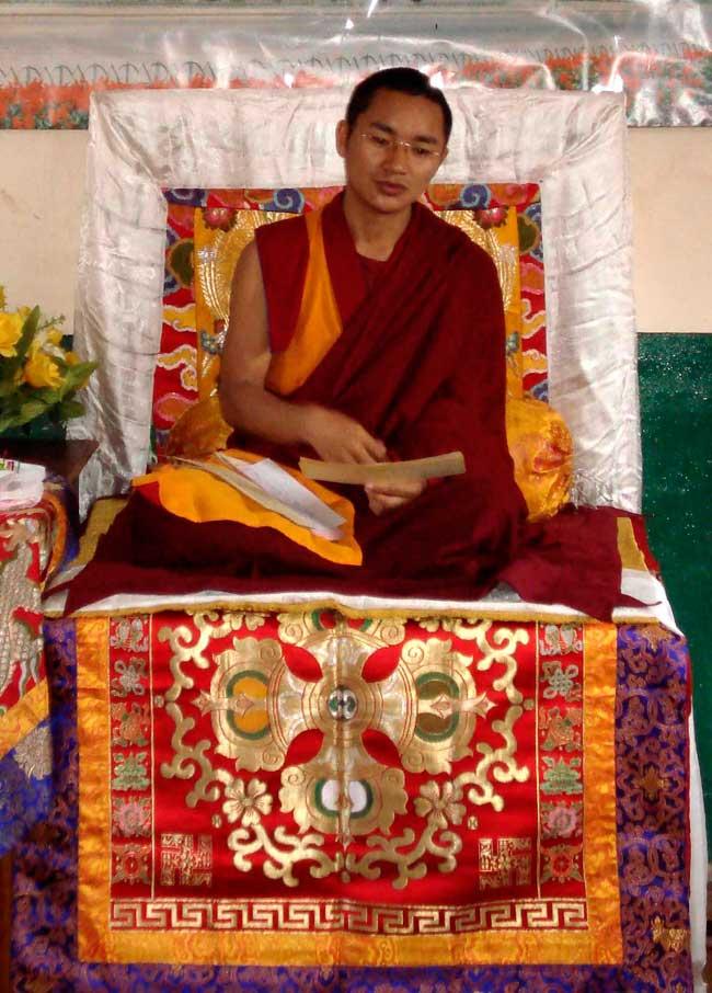 shingsa-rinpoche-il-lama-principale-del-monastero-di-ragya-assediato-dalla-polozia-cinese