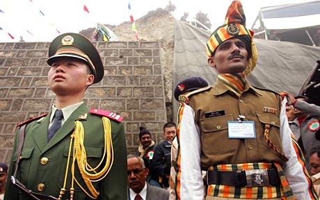 Finora l'India è sopravvissuta alle previsioni pessimiste di una balcanizzazione, ma la Cina sembra voglia provarci ancora.