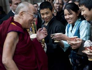 Sua Santità il Dalai Lama festeggiato a Washington dai suoi tibetani