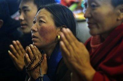 Si calcola che negli ultimi sei mesi siano stati arrestati in Nepal più di trenta tibetani fuggiti dal Tibet e diretti a Dharamsala.