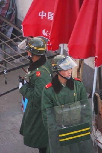 Ovunque in Tibet è capillare il controllo della polizia ed esercito cinese