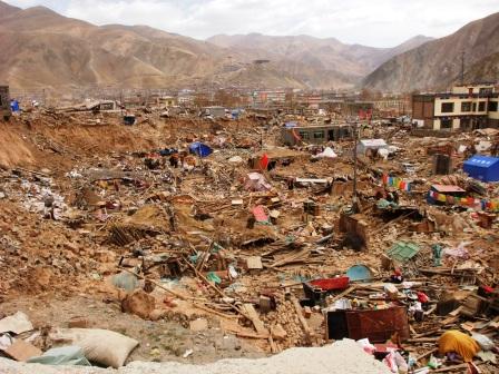 l'antica città tibetana di Kyegudo è scomparsa sotto le scosse del terremoto
