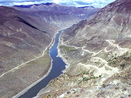 Il Canyon Jiacha è posato sopra un'enorme faglia attiva.