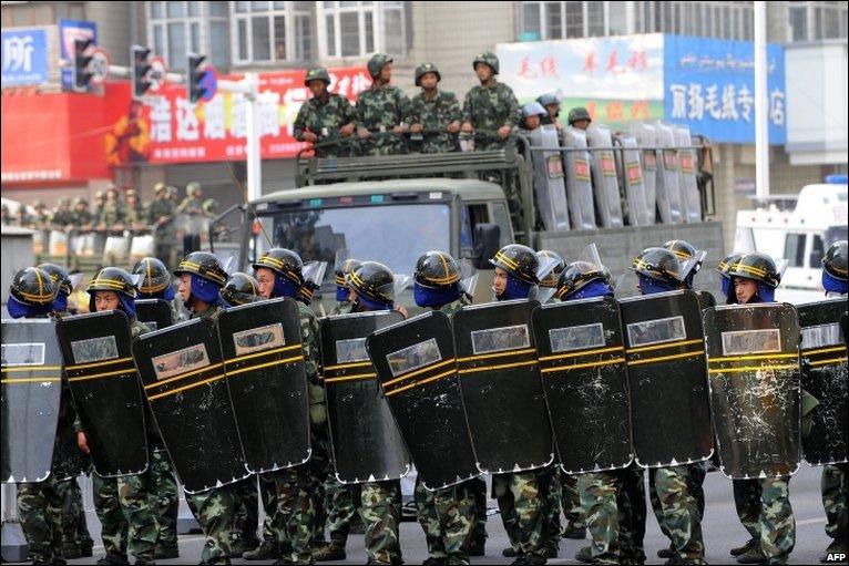 I tibetano di Gyegu protestano contro il progetto governativo di confisca delle loro terre