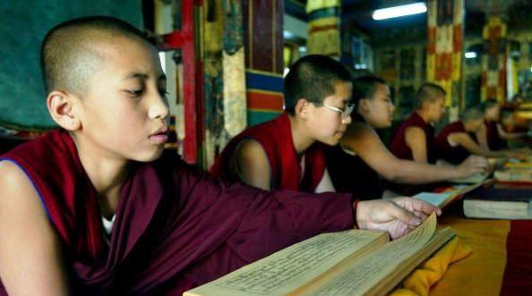 """Tenzin Choedon: """"Il linguaggio è fondamentale, e questo attacco alla lingua tibetana dimostra il tentativo di Pechino di assimilare le due culture. Noi vogliamo dire che questa politica è discriminatoria e sbagliata""""."""