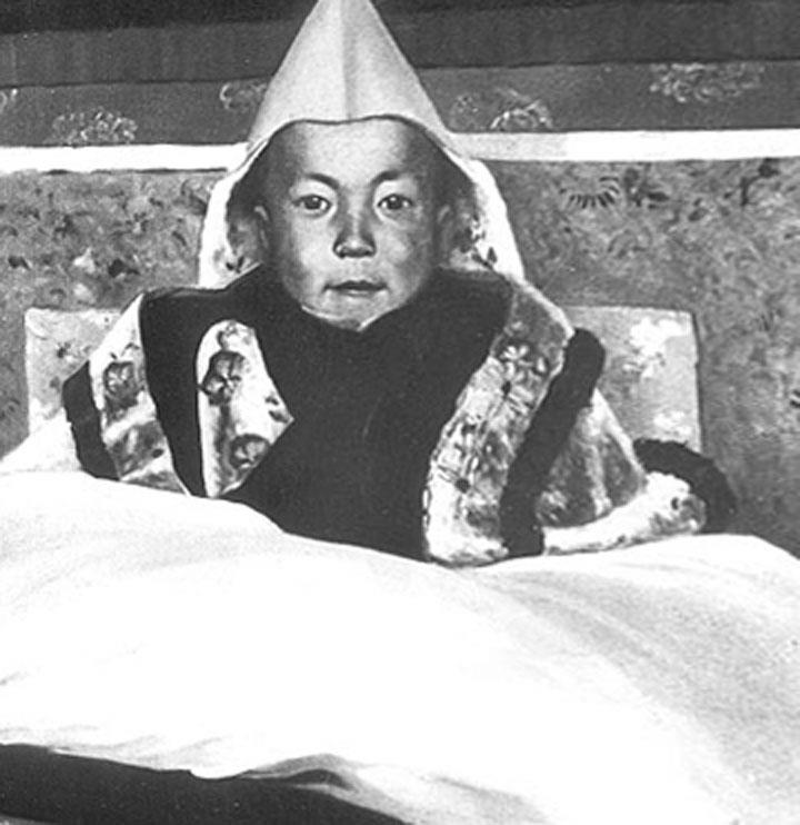 Il piccolo Tenzin Gyatzo Dalai Lama a 5 anni
