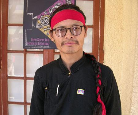 Tenzin Tsundue (Scrittore e attivista tibetano).