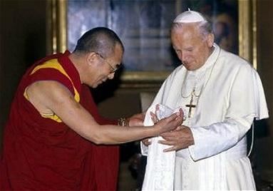 Sua Santità Giovanni Paolo II riceve Sua Santità il Dalai Lama