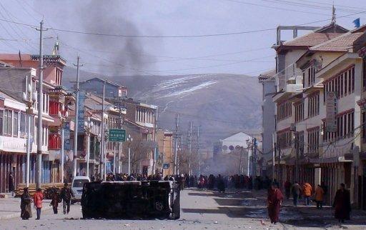 Dimostrazioni e barricate a Ngaba nel 2008.