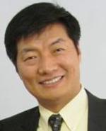 Lobsang Sangay, 43 anni, docente a Harvard, il nuovo premier del governo in esilio che succede al Dalai Lama.