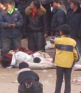 A Gaba in Tibet la situazione è drammattica: fonti locali affermano che di fronte alla prospettiva di una morte per fame dei monaci vi sarà una rivolta di massa, che potrebbe avere l'esito letale di quella del 16 marzo 2008.