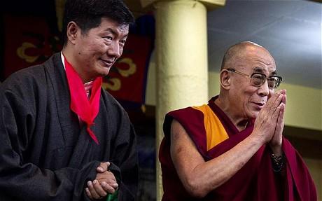 Il nuovo Kalon Tripa Lobsang Sangay con Sua Santità il Dalai Lama