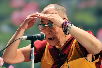 """Sua Santità il Dalai Lama: """"Se hai troppa paura, troppo attaccamento, la tua mente diventa di parte. Con questo tipo di mente, non puoi vedere la realtà. Hai bisogno di una mente calma per vedere le cose chiaramente."""""""