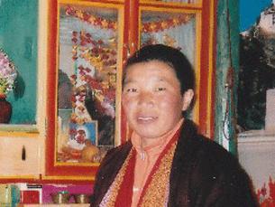 """La monaca Palden Choesang, 35 anni, del monastero di Darkar Choeling, a Twu nel Sichuan si è data fuoco gridando """"Tibet libero"""" e """"Lunga vita al Dalai Lama"""" ed è morta per le ustioni."""