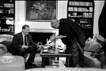 L'incontro nel 2002 del Presidente Havel con Sua Santità il Dalai Lama nel Castello di Praga.