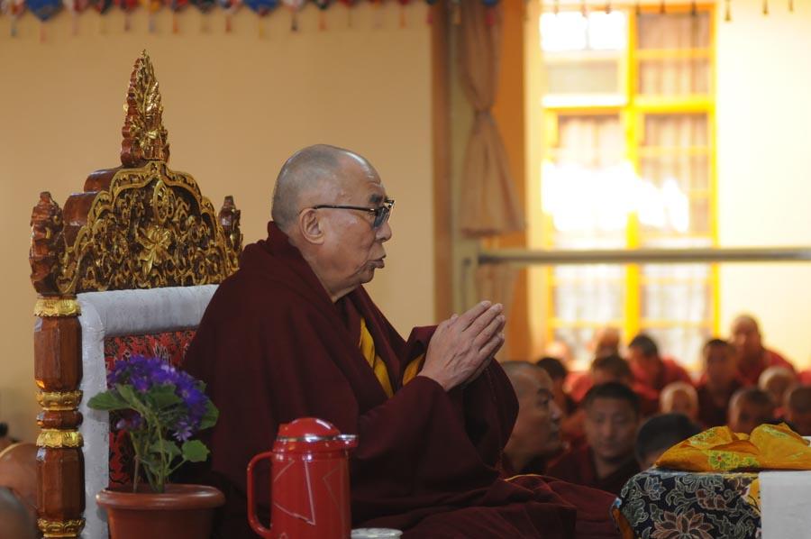 Sua Santità il Dalai Lama presiede alle preghiere per il nono Khalkha Sua Santità Jetsun Dhampa capo spirituale della Mongolia