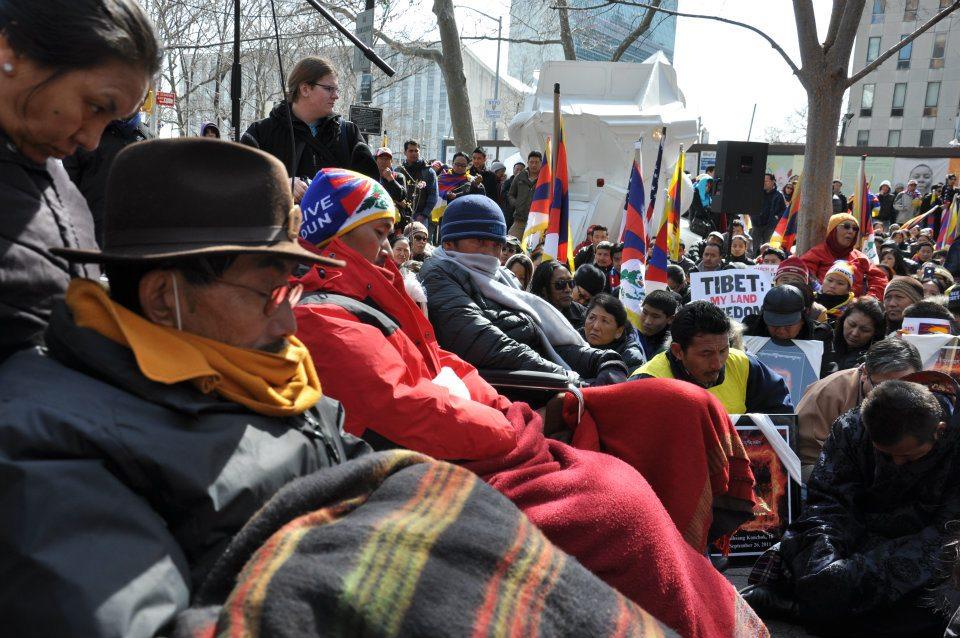 New York, Palazzo delle Nazioni Unite: I tre tibetani digiunatori ad oltranza per il loro Paese