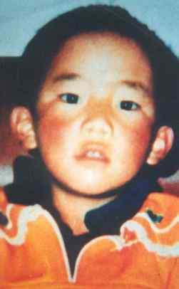 Il piccolo Panchen Lama fatto sparire 10 anni orsono: il più giovane prigioniero politico al mondo.