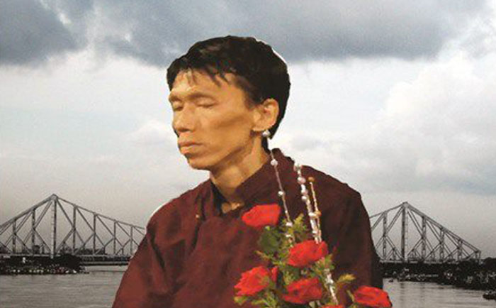 Dhondup Phuntsok, un tibetano di 26 anni si è immolato a Calcutta saltando dal ponte Howrah e gettandosi nel Gange.