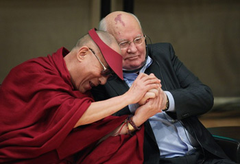 His Holiness the Dalai Lama and former Russian President Mikhail Gorbachev participate in a panel discussion during the 12th World Summit of Nobel Peace Laureates held in Chicago, Illinois, on April 25, 2012. Photo/Getty Images