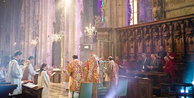 His Holiness the Dalai Lama attending Mass at St Stephen's Cathedral in Vienna, Austria, on May 27, 2012. Photo/Tenzin Choejor/OHHDL