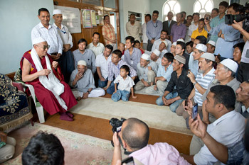 His Holiness the Dalai Lama speaking to Tibetan Muslims at the local Tibetan Muslim community mosque in Srinagar, J&K state, India on July 14, 2012. Photo/Tenzin Choejor/OHHDL
