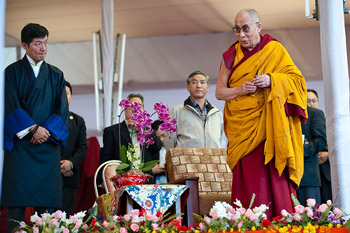 His Holiness the Dalai Lama speaking to peoples from the Himalayan Regions during the Kalachakra for World Peace in Bodh Gaya, India, on January 3, 2012. Photo/Tenzin Choejor/OHHDL