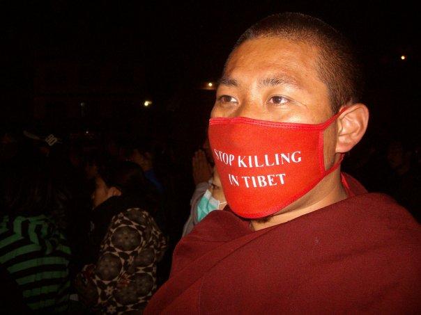 """Il Summit tibetano ha dichiarato che il governo cinese """"è il solo responsabile di questa situazione""""."""