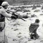 Un'immagine dell'invasione cinese in Tibet