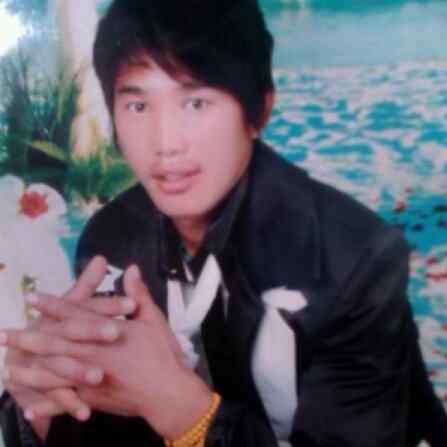 La morte di Sangay Gyatso, nella foto, segue di soli due giorni quella di Gudrup, immolatosi a Nagchu il 4 ottobre.