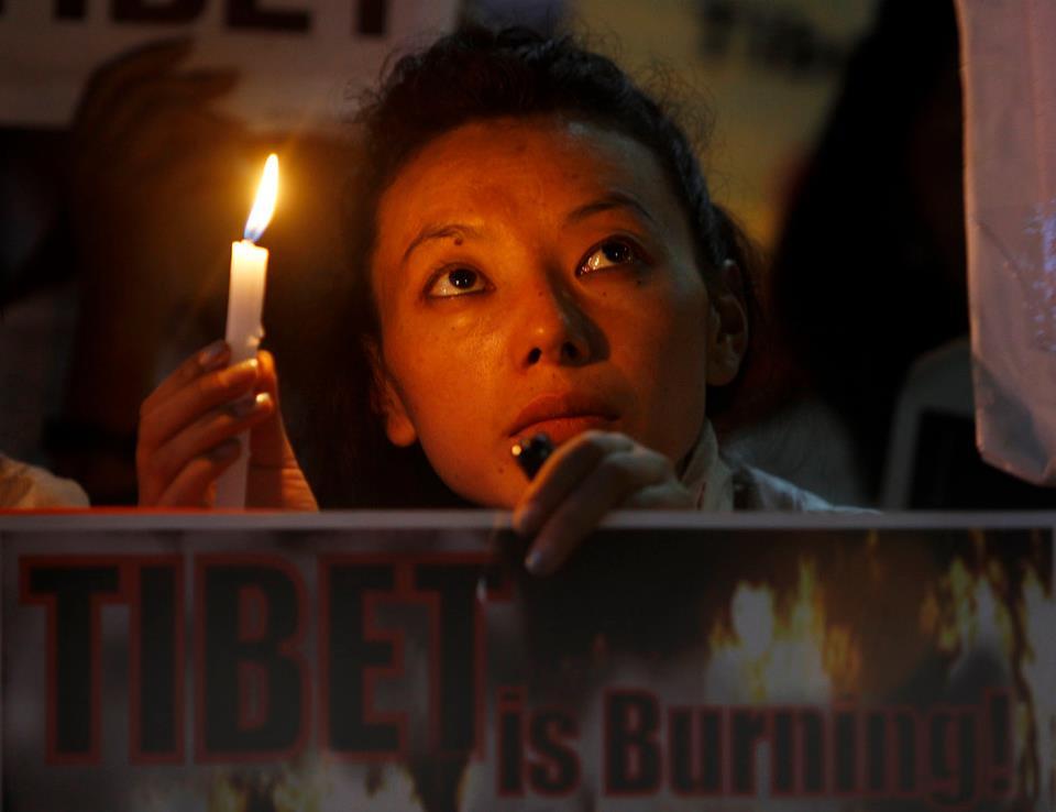 """Lobsang Sangay, primo ministro del governo tibetano in esilio: """"Il mio popolo sta morendo, sta perdendo la propria terra e la propria identità""""."""