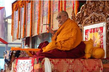 His Holiness the Dalai Lama speaking during the first day of his four day teaching in Sarnath, Uttar Pradesh, India, on January 7, 2013. Photo/Jeremy Russell/OHHDL